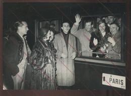 """CELEBRITES - KETTY GALLIAN, ACTRICE - DEPART POUR LE TOURNAGE """"LA PISTE DU SUD"""" EN ALGERIE - Beroemde Personen"""