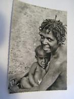 CPA - Grand Format - Océanie - Nouvelle Guinée Papouasie - Jeune Maman Des Montagnes - Seins Nus- 1930 -  SUP  (FE 11) - Papua Nuova Guinea