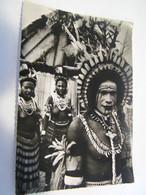 CPA - Grand Format - Océanie - Nouvelle Guinée Papouasie - Danseuses  Seins Nus- & Danseur Peints  1930 -  SUP  (FE 12) - Papua Nuova Guinea