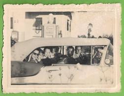 Portugal - REAL PHOTO - Grupo De Amigos  Em Passeio De Carro - Old Cars - Voitures - Oil - Passenger Cars