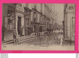 CPA  (Ref: Z2255) PARIS (75 PARIS)  Crue De La Seine Rue Hautefeuille - Paris Flood, 1910