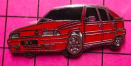 521 Pin's Pins / Beau Et Rare / THEME : AUTOMOBILES / CITROEN BX ROUGE EN LEGER RELIEF Par DECAT - Citroën