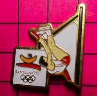 312A Pin's Pins / Beau Et Rare / THEME : JEUX OLYMPIQUES / BARCELONA 1992 SAUT A LA PERCHE - Giochi Olimpici