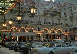 Automobiles - Voitures De Tourisme - Principauté De Monaco - Le Casino Et Les Jardins - L'Hotel De Paris - Vue De Nuit - - PKW