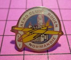 312a Pin's Pins / Beau Et Rare / THEME : AVIATION / AVION CIVIL JAUNE AERO CLUB DE ROUEN NORMANDIE - Aerei