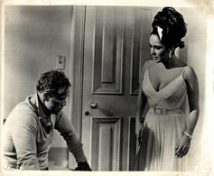 Elizabeth Taylor And Marlon Brando REFLECTIONS IN A GOLDEN EYE 1967 +-20*25.5cm JOHN HUSTON FILM DIRECTOR CINEMA - Beroemde Personen