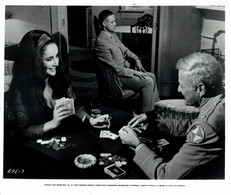 Elizabeth Taylor Brian Keith Marlon Brando REFLECTIONS IN A GOLDEN EYE 1967 +-20*25.5cm JOHN HUSTON FILM DIRECTOR CINEMA - Beroemde Personen