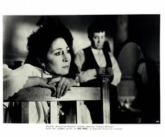 Anjelica Huston As Gretta And Donal McCann As Gabriel Conroy THE DEAD 1987 +-20*25.5cm JOHN HUSTON FILM DIRECTOR CINEMA - Beroemde Personen