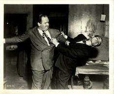 Marc Lawrence As Cobby And Barry Kelley As Lt Ditrich THE ASPHALT JUNGLE 1950  +-20.5*25.5cm JOHN HUSTON DIRECTOR CINEMA - Beroemde Personen