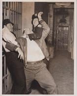 James Whitmore Jack Stone And Wesley Hopper THE ASPHALT JUNGLE 1950 +-20*25.5cm JOHN HUSTON FILM DIRECTOR CINEMA - Beroemde Personen