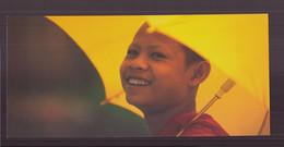 """Carte ( 23 X 10.5 Cm ) """" Moine Novice, Fête Du Nouvel An, Louang Phra Bang, Laos """" Par Philippe Body - Andere Fotografen"""