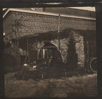 Photo 14 18 Secteur Lille, Lambersart - Soldat Allemand Devant Son Abri, Chien (A231, Ww1, Wk 1) - War 1914-18