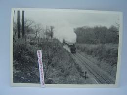 P.O.C Locomotive à Vapeur Entre Uzerches Et Saint Clément - Treni