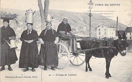 AGRICULTURE Elevage ( Types Du Centre ) 19 - Groupe De LAITIERES ( Bon Plan Attelage D'ANE ) CPA Corrèze Donkey Esel - Breeding