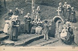 Saint Leger (29 Finistère) Fontaine Miraculeuse - Coiffe Costume - édit. ND Phot. N° 58 Dos Vert - Otros Municipios