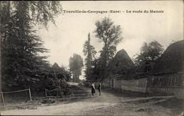 CPA Tourville La Campagne Eure, La Route Du Manoir - Autres Communes
