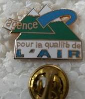 Pin's - Médical - Agence Pour La Qualité De L'AIR - - Medici
