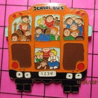 SP08 Pin's Pins / Beau Et Rare / THEME : TRANSPORTS / Très  Grand Pin's AUTOBUS SCOLAIRE SCHOOL BUS - Transportation