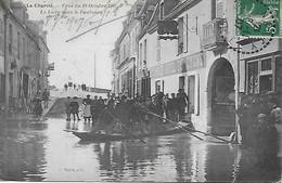 LA CHARITE -  1907 -  LA LOIRE DANS LE FAUBOURG - HOTEL DU CYGNE - CRUE DU 19 OCTOBRE 1907 - La Charité Sur Loire