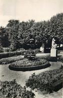 NIEVRE  LA CHARITE SUR LOIRE  Le Parc Adam  (cpsm ) - La Charité Sur Loire