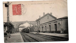 AR4CUEIL LA GARE TRAIN ENTRANT ANIMEE - Arcueil