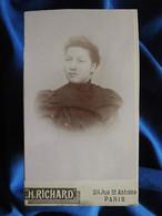 Photo CDV H. Richard à Paris - Jeune Femme Portrait Nuage, Circa 1890 L556A - Old (before 1900)