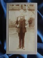 Photo CDV Anonyme - Communiant Tenant Un Cierge, Missel Et Chapelet, Circa 1895-1900 L556A - Old (before 1900)