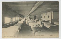 """CROIX ROUGE - Red Cross - BATEAUX - GUERRE 1914-18 - Navire Hôpital """"FRANCE IV """" - Galerie Intérieure Pour Malades - Croix-Rouge"""
