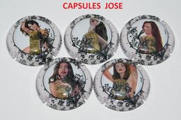 Série De 5 Capsules De Champagne GENERIQUE (Les Femmes) - Collections