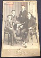 Foto * Photo*  Cabinet - Homem E Filhos* Homme Et Enfants * Man And Boys - PHOT.G.HUEBNER & AMARAL - MANAÚS - AMAZONAS - Old (before 1900)