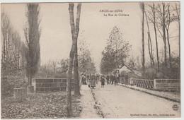 Arcis Sur Aube (10 - Aube)  La Rue De Châlons - Arcis Sur Aube