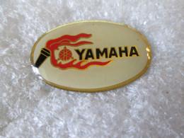 PIN'S     MOTO    LOGO   YAMAHA - Motorfietsen