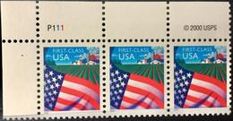 USA 2000 MNH  STAMP ON  FLAG 3 STAMPS STRIP - America (Other)