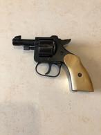 Petit Revolver D'alarme Calibre 6 Mm (marque Inconnue) - Armas De Colección