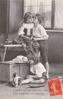 Enfant - N°76962 - Grete Reinwald - L'amitié Qui Nait Dans Leur Coeur, Déjà S'exprime Avec Ferveur - Portraits