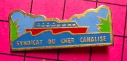 421 Pin's Pins / Beau Et Rare / THEME : ASSOCIATIONS / RIVIERE PENICHE SYNDICAT DU CHER CANALISE - Associazioni
