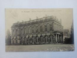 Cpa Bourges  L'Hôtel De Ville( Ancien Palais De L'Archevêché ) La Façade 1916 - Bourges