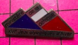 SP16 Pin's Pins / Beau Et Rare / THEME : JEUX OLYMPIQUES / MINISTERE DE LA DEFENSE 16e J.O. - Giochi Olimpici