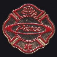 71437- Pin's -Pierce Manufacturing, Un Leader Mondial Dans La Fabrication De Camions De Pompiers. - Pompieri