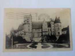 Cpa Bourges Palais Jacques Coeur.Vue Prise De La Place Berry - Bourges