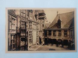 Cpa Bourges L'hôtel De Jacques Coeur La Cour - Bourges