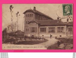 CPA (Réf Z 1050) LILLE-DÉLIVRANCE (59 NORD) Salle De Garde Des Agents De Trains - Lille
