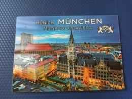 Munchen, Marienplatz - Color 3D Postcard - Stereo / PUPPY DOG - German Postcard - Estereoscópicas