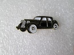 PIN'S    CITROEN  TRACTION   15    1948 - Citroën