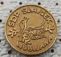 Slavcek Ljubljana Bird Society For Breeding Birds Slovenia Pin - Animali