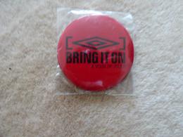 """Broche """"Bring It On (à Vous De Jouer) """" - Autres"""