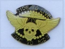 GP302 Pin's MOTO ? HARLEY DAVIDSON ? Tête De Mort Ride To Live  Achat Immédiat - Motorfietsen
