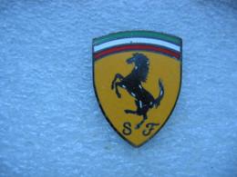 Pin's Emblème Des Voitures FERRARI, SF - Ferrari