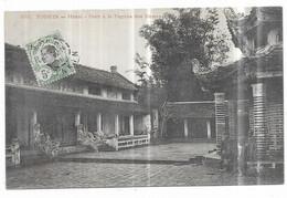 Tonkin Hanoi Cour à La Pagode Des Dames - Vietnam