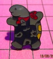 621 Pin's Pins / Beau Et Rare / THEME : ANIMAUX / TORTUE MARCHANT SUR SES PATTES ARRIERES Pas Facile ! - Animali
